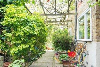 Veeve - Secret Garden