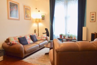 Two Bedroom Flat In Meadowbank