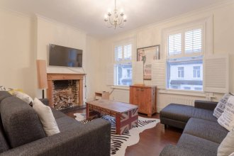 Cozy Charming 3 Bedroom House in Hammersmith