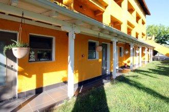 Despotiko Apartment Hotel & Suites