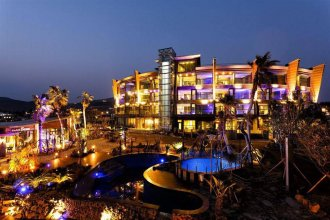 The Cove Hotel and Exclusive Resort
