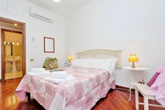 Treasurerome Family 3br by Colosseo