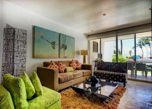 Beachfront Condo-hotel by Tripintravel