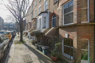 Hampstead Haven 1BR Flat