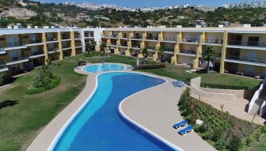 Apartment With 3 Bedrooms in Albufeira, With Wonderful Mountain View, Shared Pool, Enclosed Garden