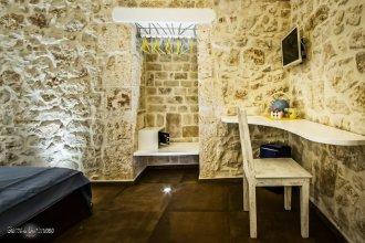 Beatrice Rooms