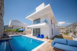 Villa Ipek by Akdenizvillam