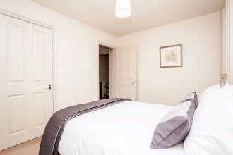 Bright &Spacious Central 1 Bed Basement Flat