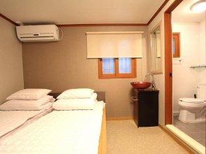 88 Hostel
