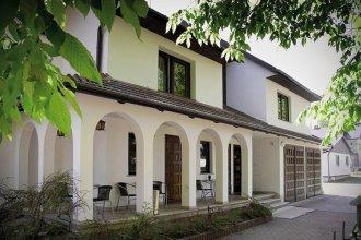 4.Friends Hostel