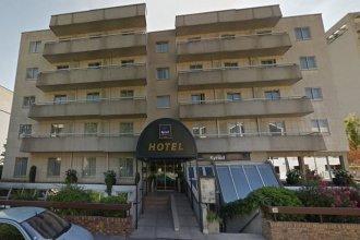 Отель Paris Boulogne