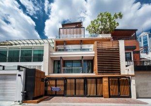 Arcadia Residence Ploenchit Bangkok by Compass Hospitality
