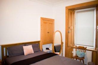 Traditional 1 Bedroom Colony Flat in Edinburgh