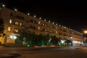 Tassaray Hotel