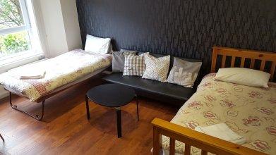 Dragon - North Woodside Apartment 1 Bedroom Home
