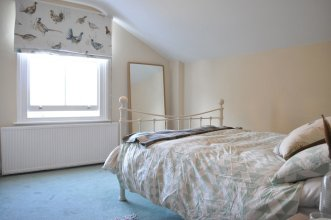 3 Bedroom Apartment in Clapham North