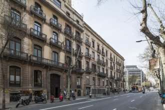 Uma Suites Pau Claris Barcelona