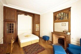 Guibert Halldis Apartment