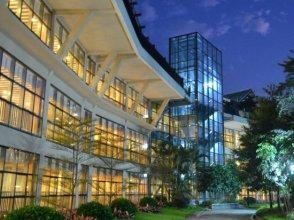 Lotus Hill Yuehai Hotel