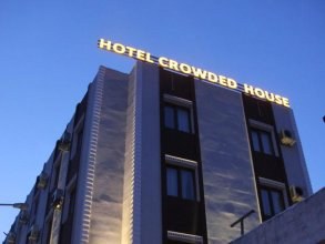 Hotel Crowded House