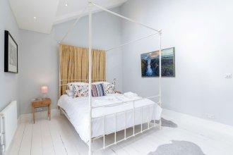 Vauxhall Oasis - 3 Bed House by BaseToGo
