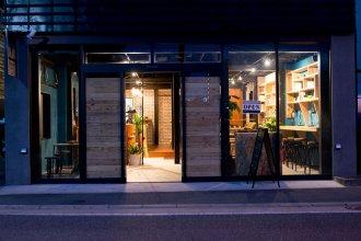 TONAGI Hostel & Cafe