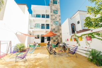 The Mermaid Hostel Beach - Adults Only