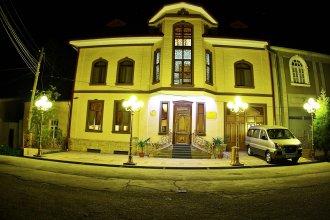 Гостиница Platan