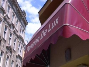 Pension De Lux