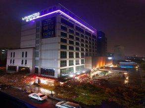 Queen Vell Hotel