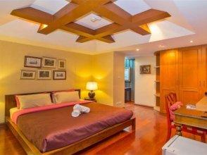 Pattaya classic 6 bedroom Thai style seaside villa
