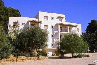 Benet Los Pinares Apartments