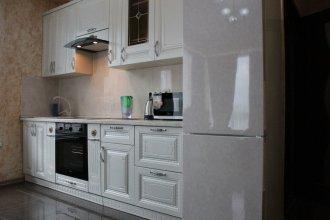 Apartment on Kamyshovaya 41, apt 18