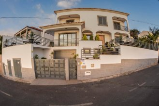 House With 3 Bedrooms in Funchal, With Wonderful sea View, Private Pool, Enclosed Garden - 10 km From the Beach