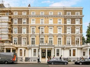 Luxurious 1BR Period Property in Kensington