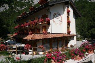 Hotel Garni Lago Nembia
