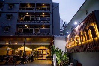 Maxim's Inn