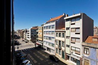 Apartment With 2 Bedrooms in Porto, With Wonderful City View, Terrace and Wifi