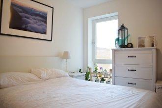 Modern 1 Bedroom Flat Near Riverside