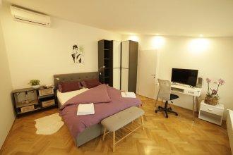 Apartment F9