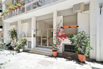 Plaka Elegant Apartment