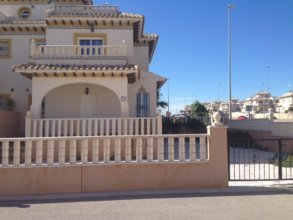 House With 2 Bedrooms in Orihuela, With Pool Access and Terrace