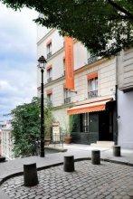 Caulaincourt Square Boutique Hostel