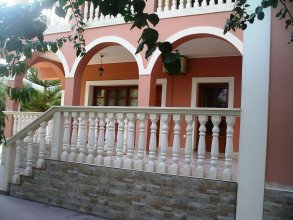 Arazzo Holiday Apartments