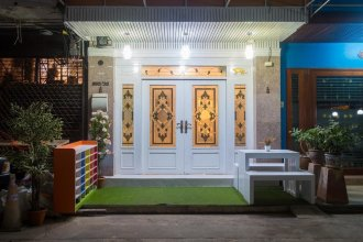 At Khaosan Hostel - Adults Only