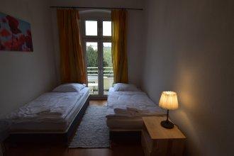 Tolstov-Hotels Big 2 Room City Apartment
