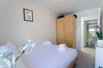 2 Bedroom House in Maida Vale With Balcony