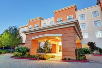 Embassy Suites by Hilton Valencia