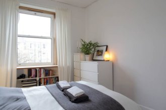 2 Bedroom Flat Near City Centre