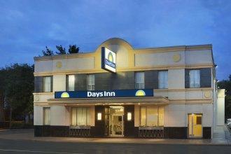 Days Inn by Wyndham Toronto East Beaches